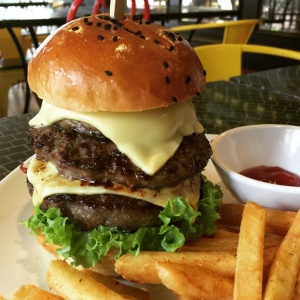 RV Burger